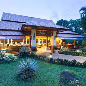 Khao Lak Bayfront Resort: Restaurant