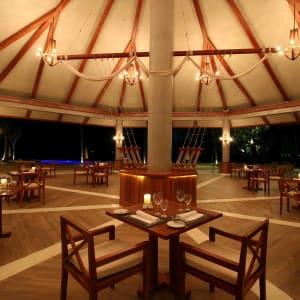 Pristine Mermaid Resort in Ngapali: Restaurant