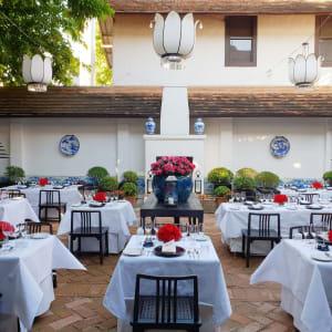 Rachamankha in Chiang Mai: Restaurant Courtyard