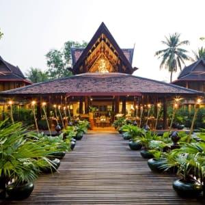 Angkor Village Hotel à Siem Reap: Restaurant entrance