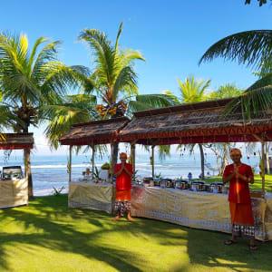 Puri Dajuma in Nordbali: Restaurant Rama - Buffet in garden