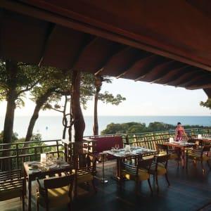 Shangri-La's Boracay Resort & Spa: Rima Treetop Restaurant