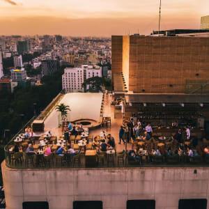 Hôtel des Arts Saigon: rooftop bar
