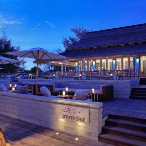 Anantara Mai Khao Phuket Villas: Sea Fire Salt Entrance