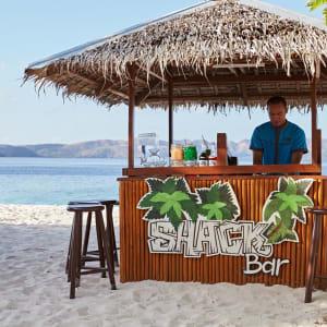 Club Paradise Palawan: Shack Bar