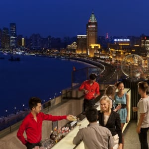 The Peninsula à Shanghai: Sir Elly's Terrace