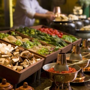 The Peninsula à Pékin: Station-to-Station- Buffet at JING