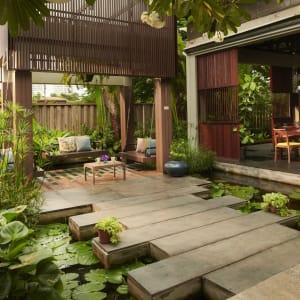 Let's Sea Hua Hin Al Fresco Resort: Swing in The Restaurant