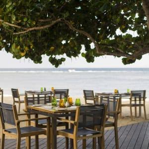 Nusa Dua Beach Hotel & Spa à Sud de Bali: Tamarind Restaurant   The Deck