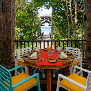 Bungaraya Island Resort à Kota Kinabalu:  The Long House Restaurant