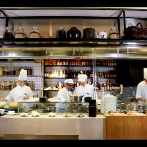 Hotel ICON in Hong Kong: The Market | Buffet Station