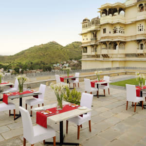RAAS Devigarh à Udaipur: The Restaurant Terrace