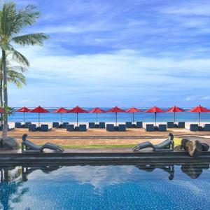 The St. Regis Bali Resort in Südbali: Views to the Beach from Kayuputi Restaurant
