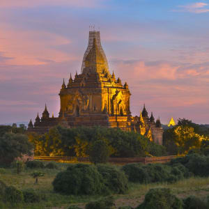 Le pays doré de Yangon: facilities: Bagan Wonderful sunrise with Htilominlo Temple