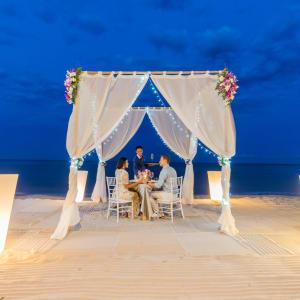 Intercontinental Hua Hin Resort: Beach Cabana