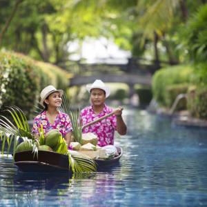 JW Marriott Khao Lak Resort & Spa: coconut boat