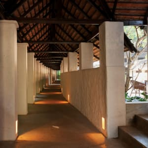 Tamarind Village in Chiang Mai: Colonnade