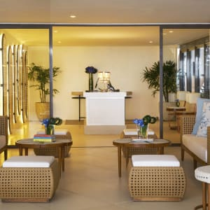 Discovery Shores Boracay: Front Office