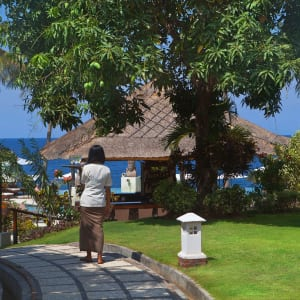 Siddhartha Ocean Front Resort & Spa in Ostbali: Garden