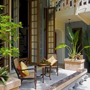 Ariyasom Villa in Bangkok: Garden