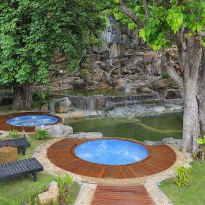 Pristine Lotus Resort à Lac Inle: Jacuzzis