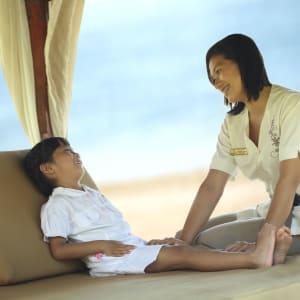 Nusa Dua Beach Hotel & Spa à Sud de Bali: Kid's Massage