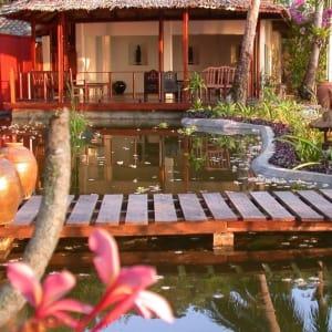 JapaMala Resort in Tioman:  library lounge