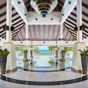 Dusit Thani Krabi Beach Resort: Lobby