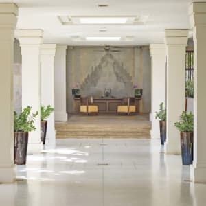 Anantara Angkor Resort in Siem Reap: Lobby