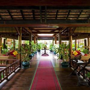 Angkor Village Hotel à Siem Reap: Lobby Entrance