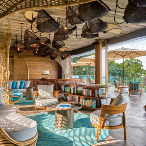 Six Senses Krabey Island à Sihanoukville & Îles: Lobby with Host