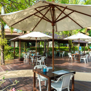 Khao Lak Bayfront Resort: outside seating