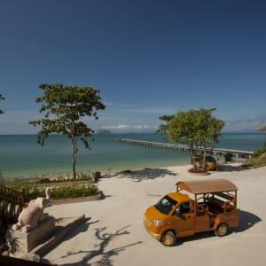 Santhiya Koh Yao Yai Resort & Spa à Ko Yao: PIER AND WODDEN CAR