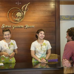 Samui Jasmine Resort à Ko Samui: Reception desk