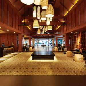 Outrigger Laguna Phuket Beach Resort: Resort Lobby