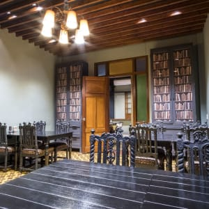 The Henry Hotel à Manille:  The Library