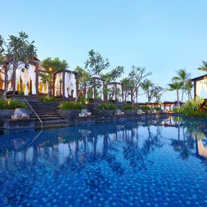 The St. Regis Bali Resort in Südbali: The St. Regis Bali Resort main pool