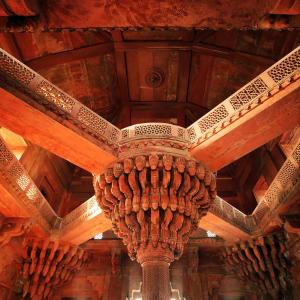 Reise zum heiligen Ganges ab Delhi: Fatehpur Sikri: temple detail