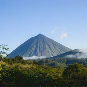 Flores - Traditionen, Riten und Vulkane ab Ende: Flores Inerie Volcano