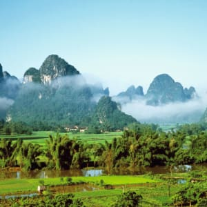 L'éclat de la Chine en train de Pékin: Guilin: Landscapes