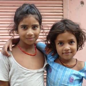 L'état inconnu de Gujarat de Ahmedabad: Gujarat: happy girls