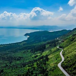 Vietnam für Geniesser ab Hanoi: Hai Van Pass between Hue and Danang