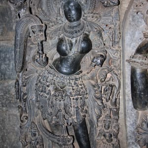 Le sud diversifié de l'Inde de Kochi: Halebid: Statue