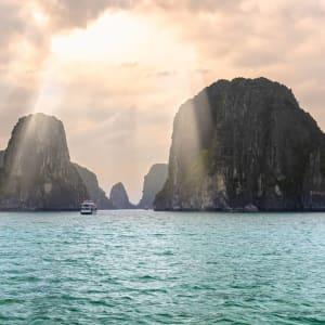 Unberührte Lan Ha Bucht Kreuzfahrt mit «Ginger» ab Hanoi: Halong Bay