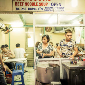 Tour gourmand – Street Food à Hanoi: Hanoi Food Stall