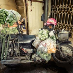 Grand voyage en Indochine de Luang Prabang: Hanoi Market
