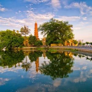 Tour à vélo avec le lac de l'Ouest et le pont Long Bien à Hanoi: Hanoi Tran Quoc pagoda