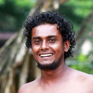 Découverte active du Sri Lanka de Colombo: Happy young man