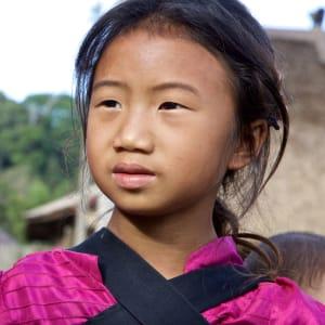 Faszinierendes Nord-Laos ab Luang Prabang: Hilltribe girl in Laos