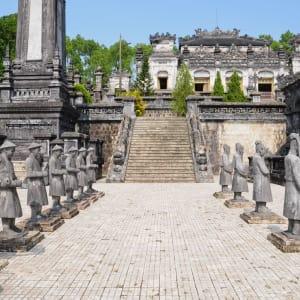Les hauts lieux du Vietnam de Hanoi: Hue: Tomb of Emperor Khai Dinh